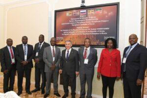 Рустам Минниханов обсудил экономическое сотрудничество с послами Кении, Уганды и Зимбабве